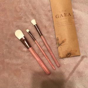 LUXIE Gaea Brush set - NWT